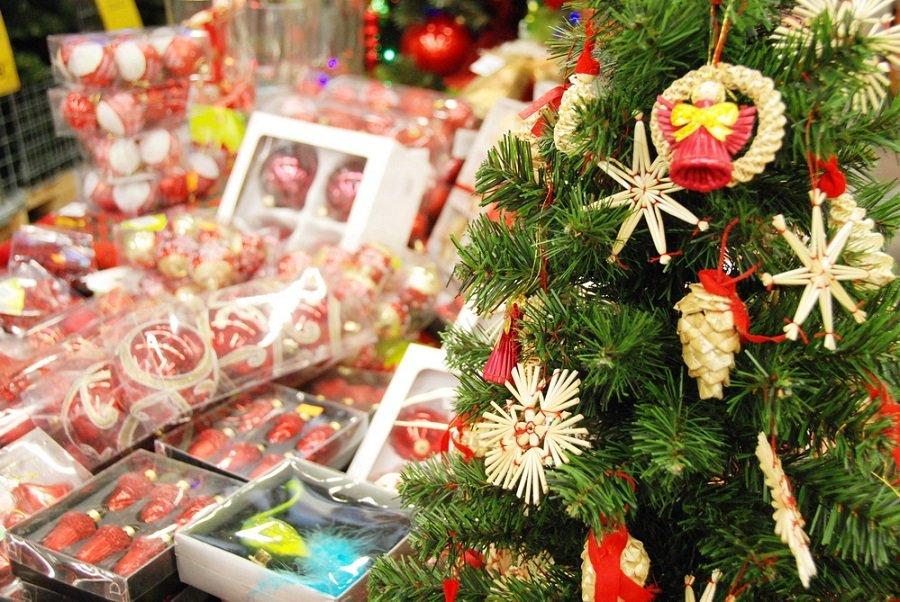 В регионе начинается сезон новогодней торговли в магазинах.